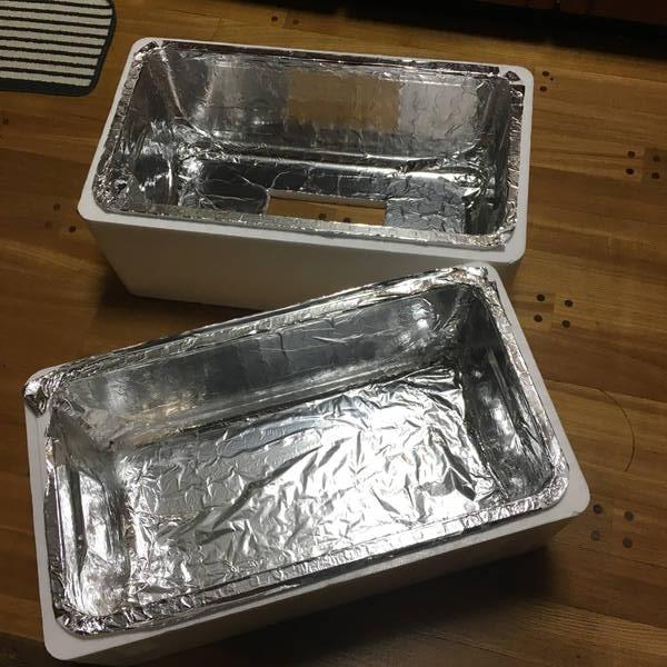 防寒対策の簡易温室 アルミホイルが銀ギラ銀にさりげない